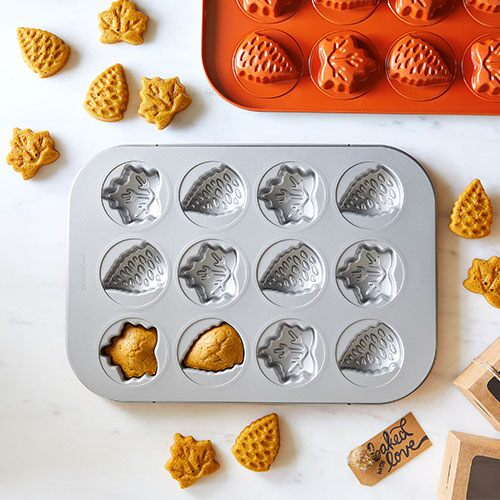 Fall Harvest Cake Pan