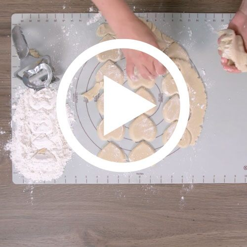 Play Rolling Cookie Cutter Set Video