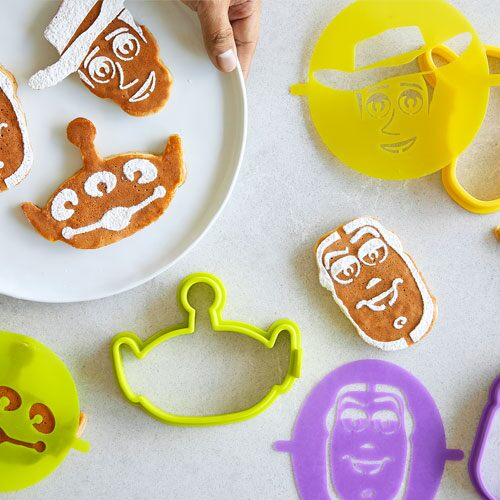 Play Disney•Pixar Toy Story 4 Pancake Molds & Stencils Video