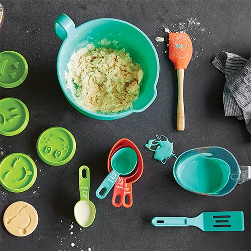 Bakeware shop pampered chef canada site for Kids kitchen set canada