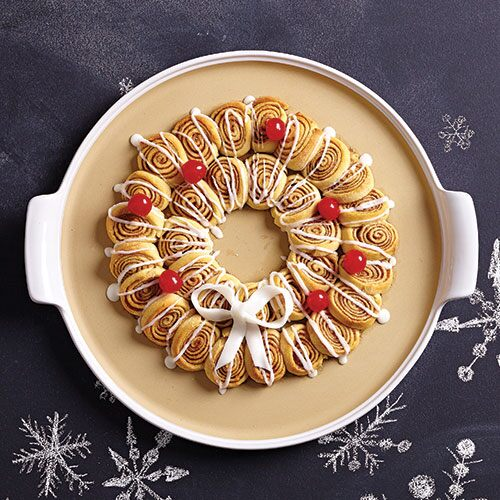 Mini Cinnamon Roll Wreath