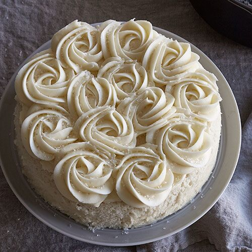 Play Easy White Rosette Cake Video