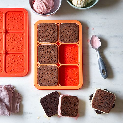 No-Bake Chocolate Peanut Butter Ice Cream Sandwiches