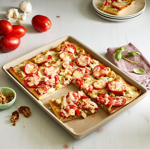 Chicken, Pesto & Tomato Flatbread