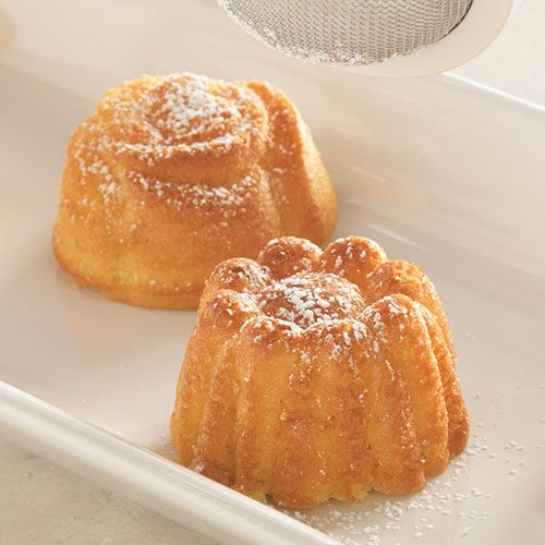 Powdered Sugar Pound Cakes